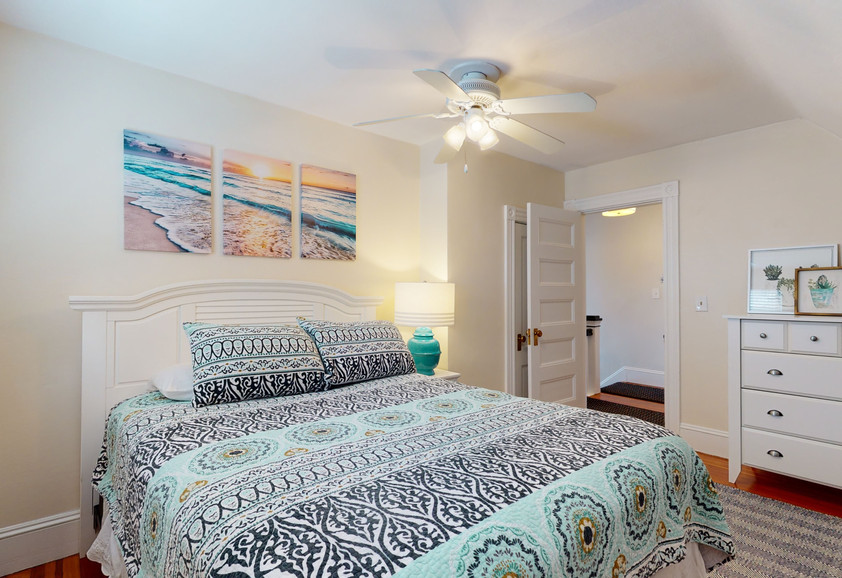 3RD FLOOR QUEEN BEDROOM #1_1