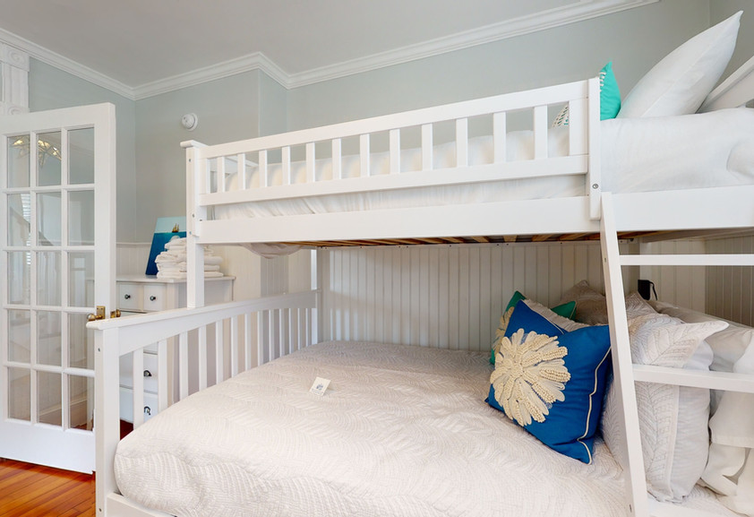 1ST FL BEDROOM BUNKBED - SLEEPS 3