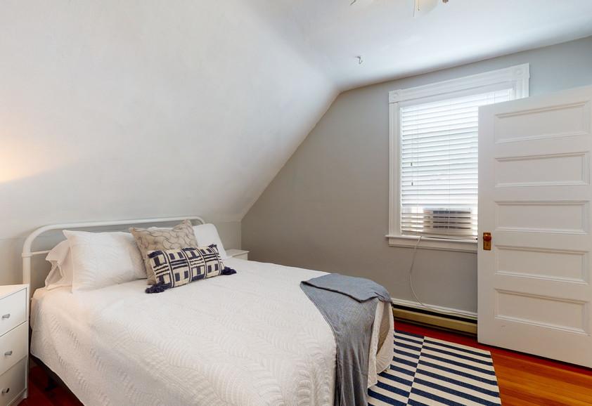 3RD FLOOR QUEEN BEDROOM #3