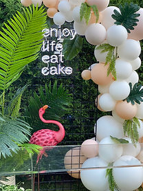 Props, Styling & Balloons by BALLÖOM