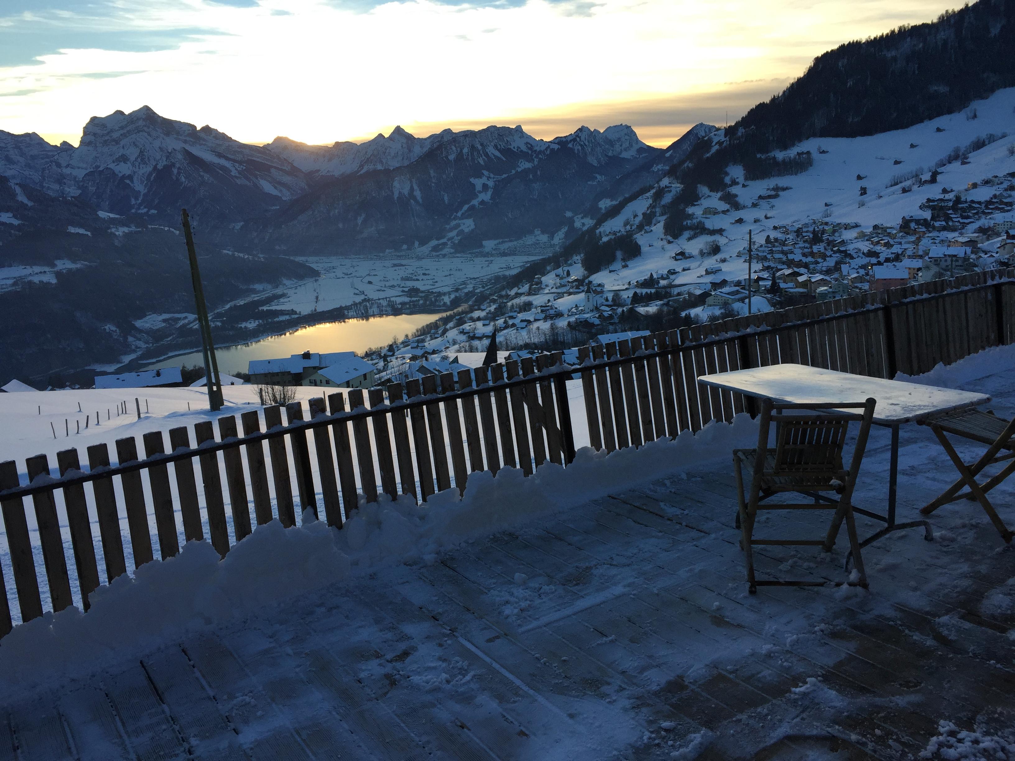 Winterdämmerung nach dem Skifahren