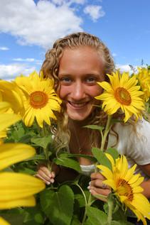 Emma - Sunflowers - V