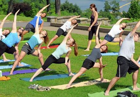 חודש היוגה הבינלאומי מגיע לנס ציונה