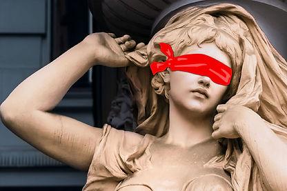 Connaissez-vous la folle histoire de la femme cachée ?! Découvrez-la au terme d'une chasse au trésor étonnante dans les galeries du plus grand musée du monde ! Enigmes et anecdotes vous accompagneront durant ce jeu de piste au musée du Louvre.  Tout se passe à l'intérieur du Louvre. Smartphone en main, avancez d'étape en étape pour découvrir le parcours et le secret d'œuvres mythiques. Observation, détails à retrouver, scanner... même les statues se mettent à parler !  Cette activité nécessite un smartphone. Configuration requise : iPhone 6S + iOS 12.1 minimum - Android 5.0 minimum.