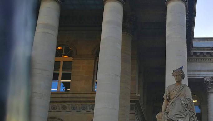 bourse-paris-tourismejpg