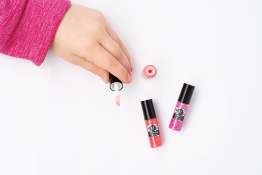 Lifestyle/Modeled Lip Gloss