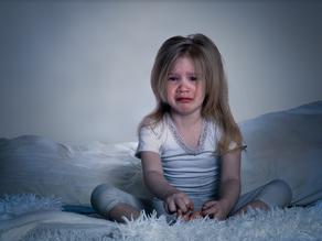 """MITO: """"Sleep training es dejar llorando solo a tu hijo"""""""