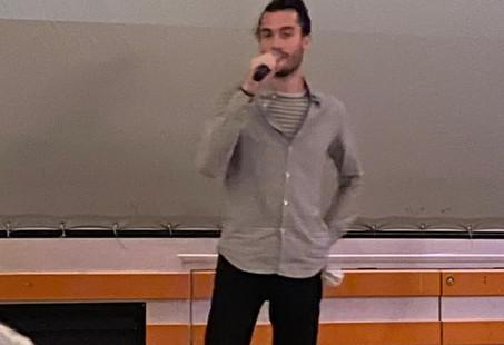 Antoine au micro_diaporama.JPG