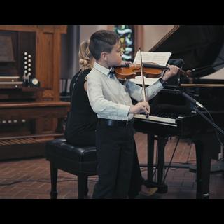 Violin lessons at Music Box School