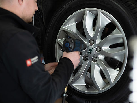 content__image--wheel-tyre.jpeg