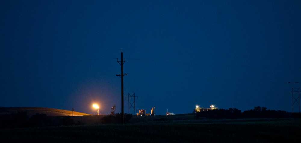 A methane flare at a hydraulic fracturing site in North Dakota. (Credit: Tim Evanson)