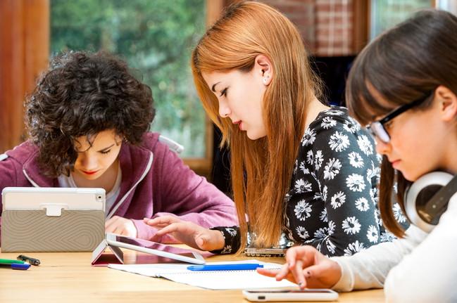 teens_tablets.jpg