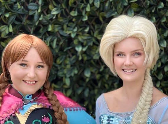 Snow Sisters !
