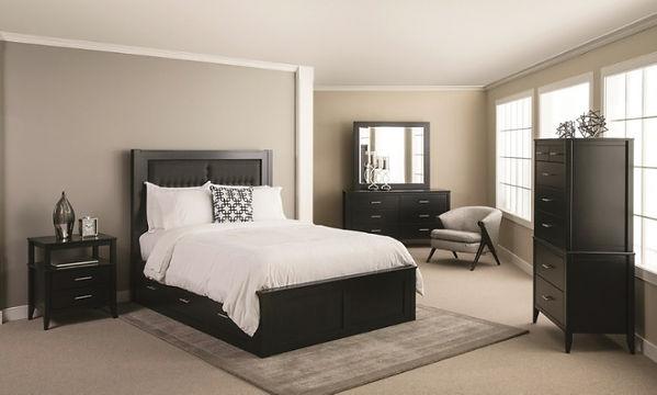 Amish built bedroom furniture set