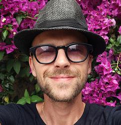 selfie-4302321_1920 - Copy.jpg