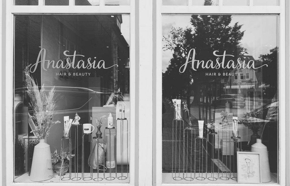 Anastasia Hair and Beauty Fenster Salon