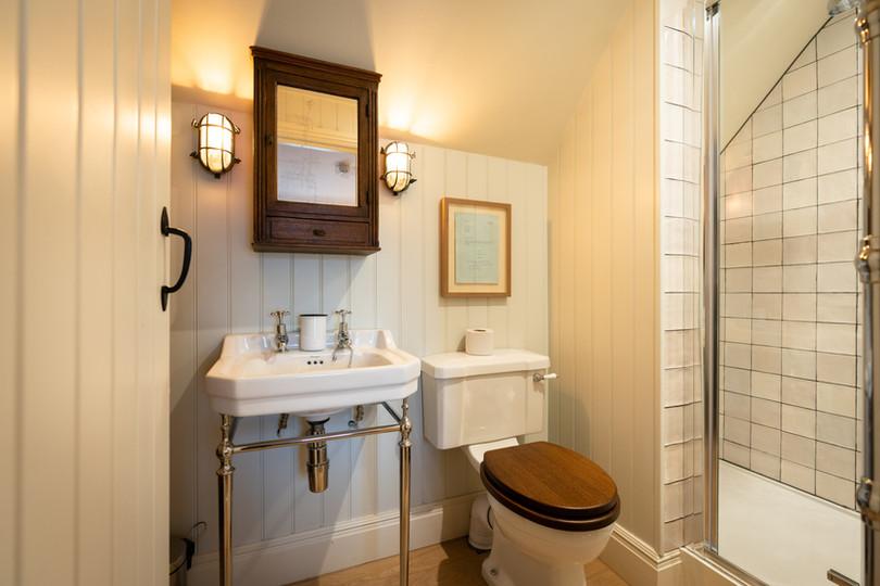 Royal-Oak-Bedrooms-20200801_084.jpg