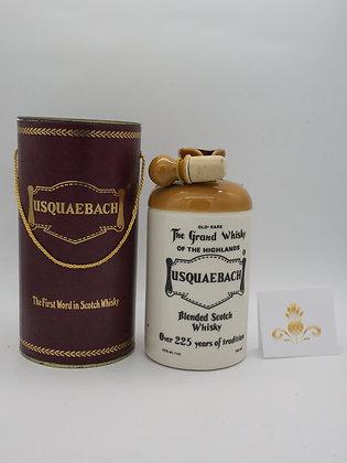 Usquaebach no age, 43 % Vol., 75 cl Keramikflasche