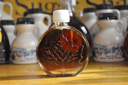 Glass Specialty Bottle - Round Leaf