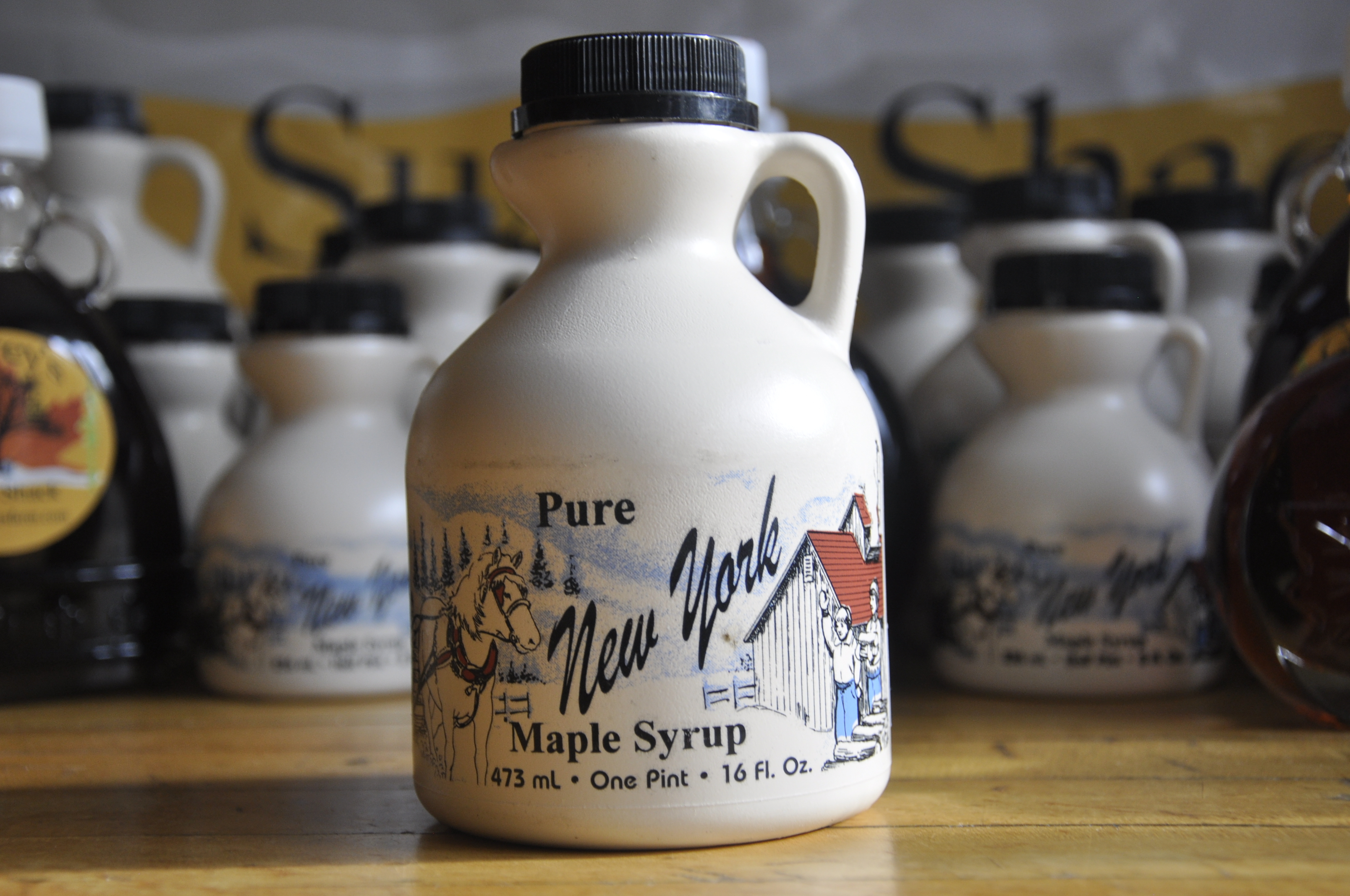 Maple Syrup Plastic - Pint