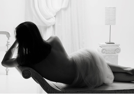 Boudoir Mini Sessions in time for Valentine's Day
