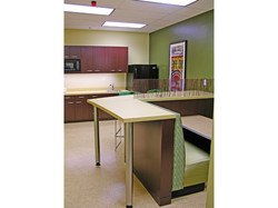 BANQUETTE AND COUNTER