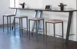 Delen Tall counter Table