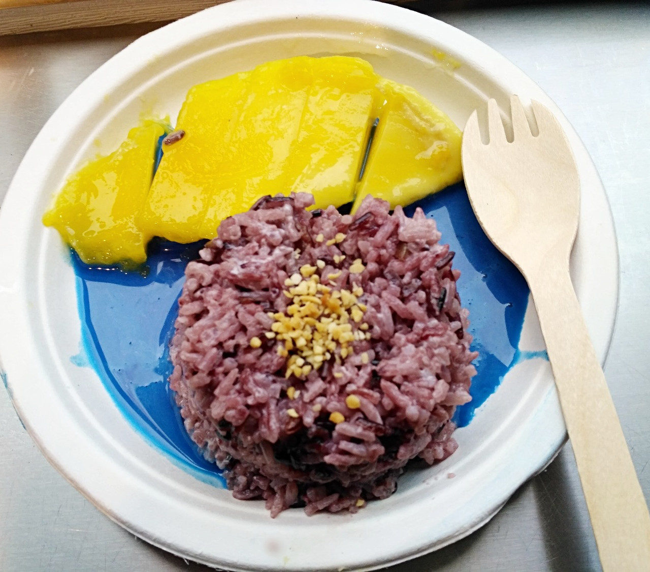 Mango Sticky Rice with Spirulina