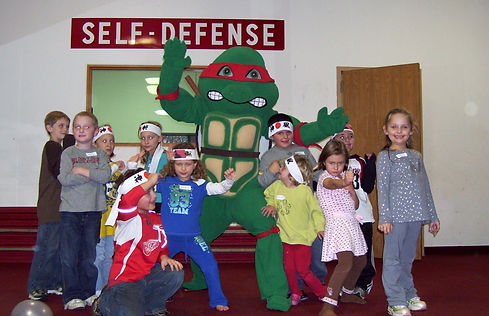ninja-turtle-karate-birthday-party-group