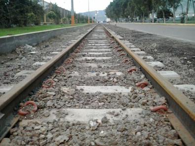 Instalación de línea nueva - Durmientes de Concreto - Sider Perú