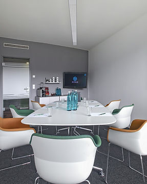 Rent a conference room: The Potsdamer Platz can accommodate 8 persons.