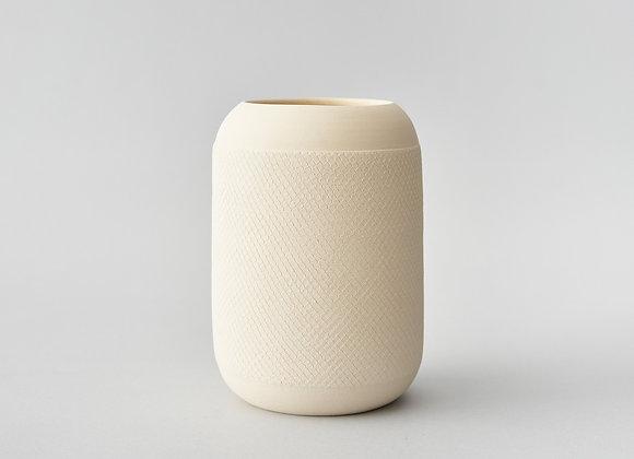 Kremowy wazon z dekorem #1