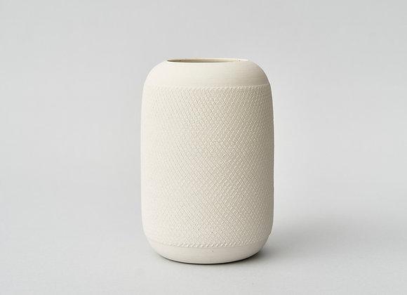 Biały wazon z dekorem