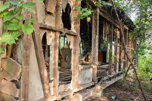 Abandoned_House_4.jpg
