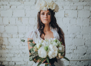 2019 trend: Haku-lei is everything |  Hawaiian brides with haku-lei