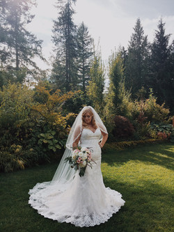 Beautiful September bride
