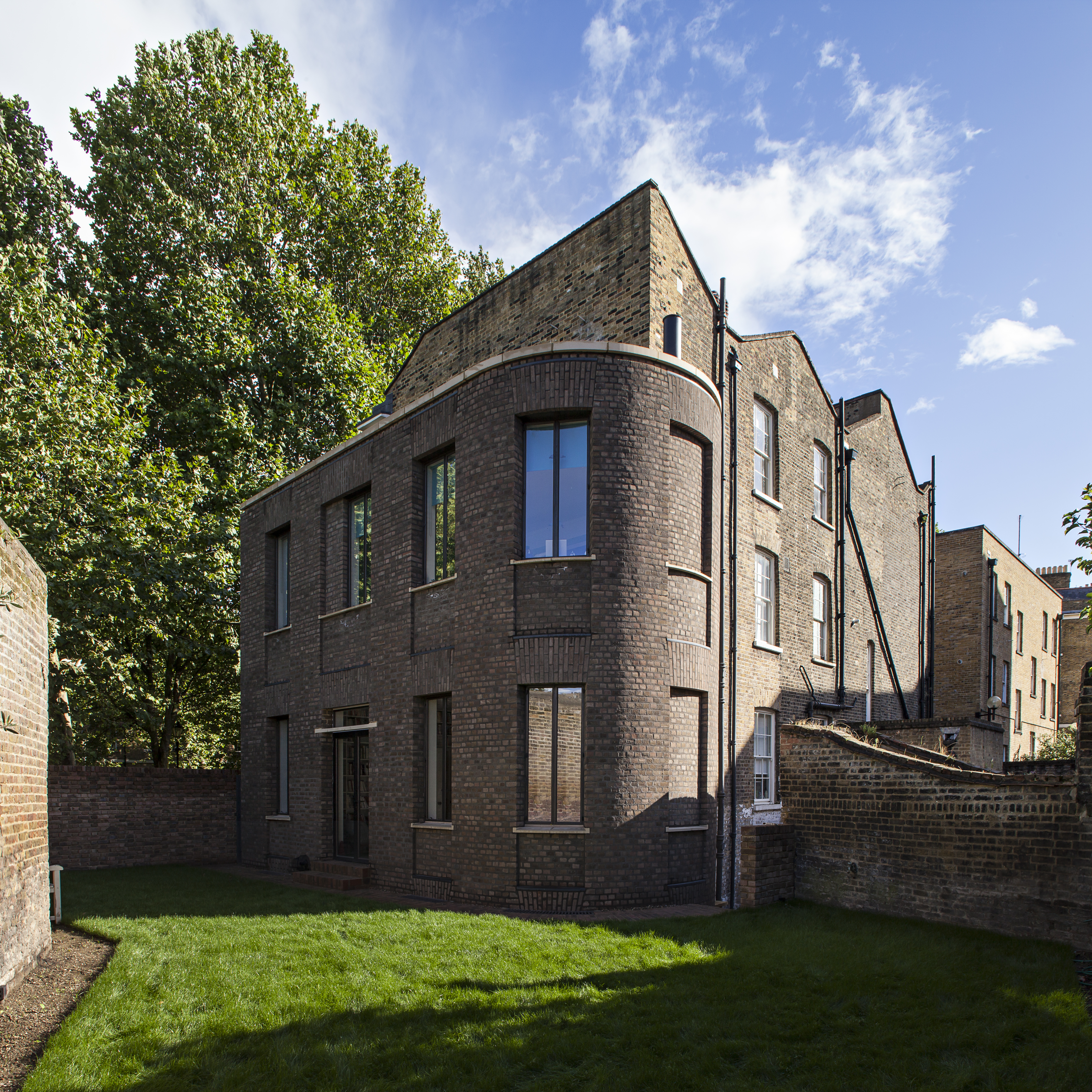 Garden front, Wapping