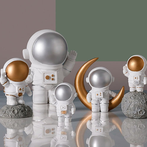 Nordic Resin Creative Astronaut Sculpture Figurine