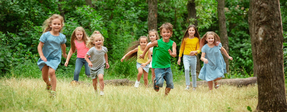 kids-children-running-green-meadow_edite
