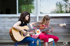 Guitaristes en répétition