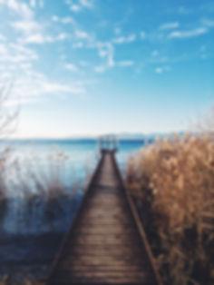 Pont avec mer.jpg