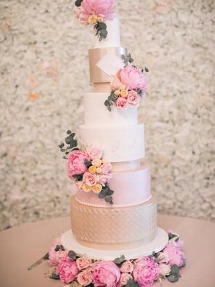 tall-pink-gold-luxury-wedding-cake.jpg