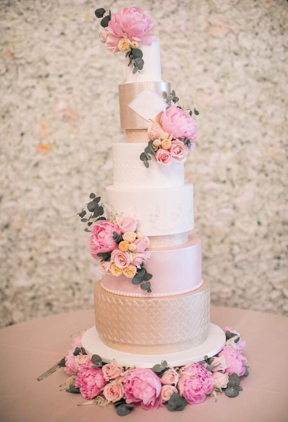 tall-pink-gold-luxury-wedding-cake.jpg
