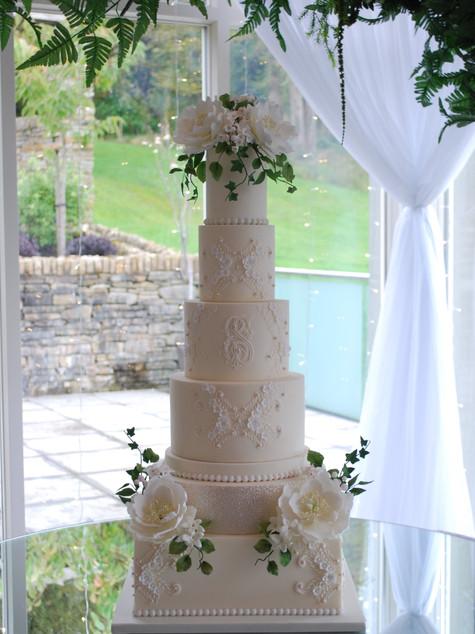 luxury-wedding-cakes-ireland-london.jpg