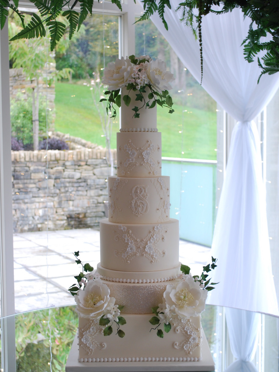 luxury-wedding-cakes-ireland-london.jpg