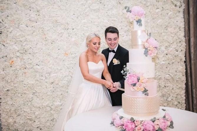 luxury-6-tier-wedding-cake-ireland.jpg
