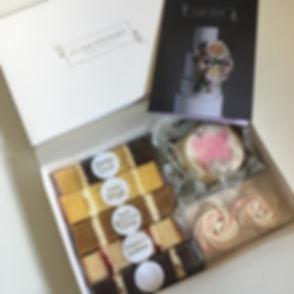 Emma-Stewart-Cake-Design-Wedding-Cake-Ta