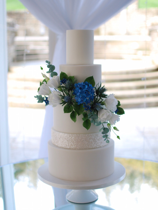luxury-wedding-cake-ireland.jpg