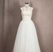 비즈벨라인 드레스