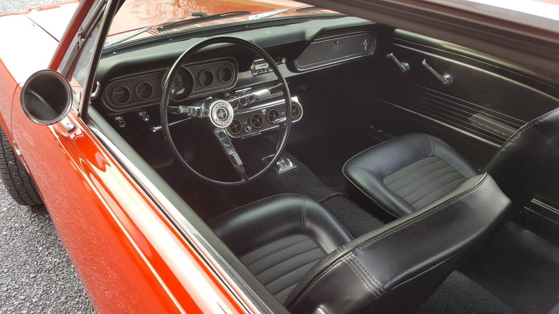 retro garage importateur voiture am ricaine mustang 1965. Black Bedroom Furniture Sets. Home Design Ideas